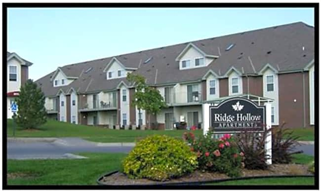 Ridge Hollow - Lincoln, Nebraska 68521