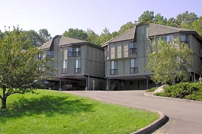 Lakeshore Villa Apartments - Port Ewen, New York