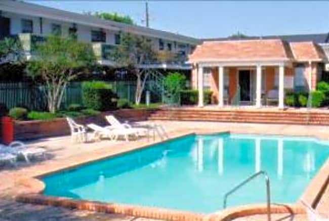 The Colonial Manor Apartments - Harahan, Louisiana 70123