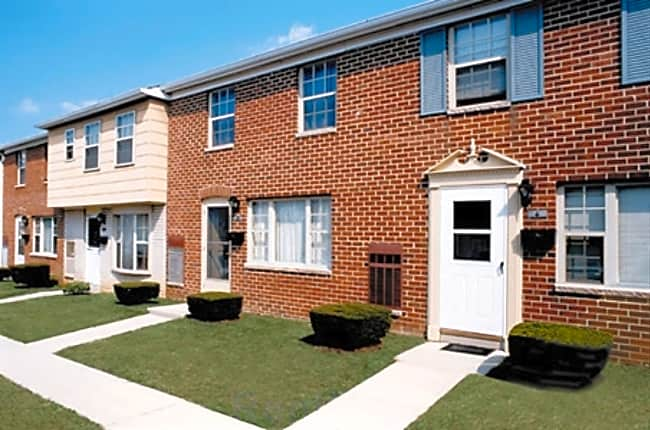 Yorktowne Townhomes Clearview Court Hanover Pa