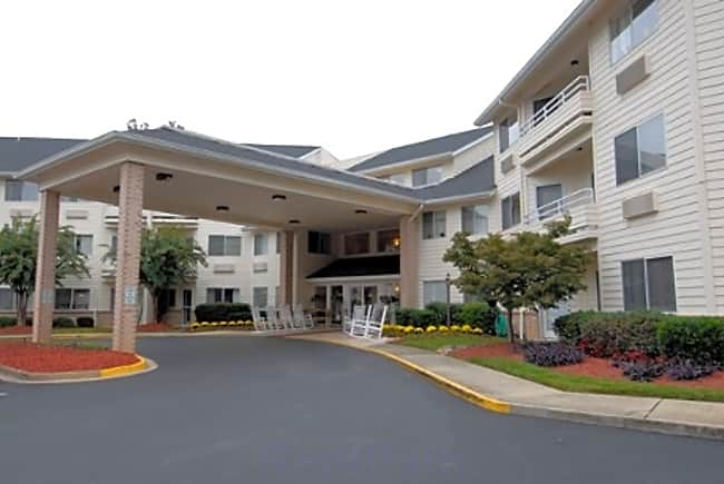 Haywood Estates Independent Retirement Living - Greenville, South Carolina 29615