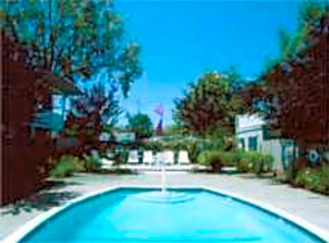 Baywood Apartments - Hayward, California 94544