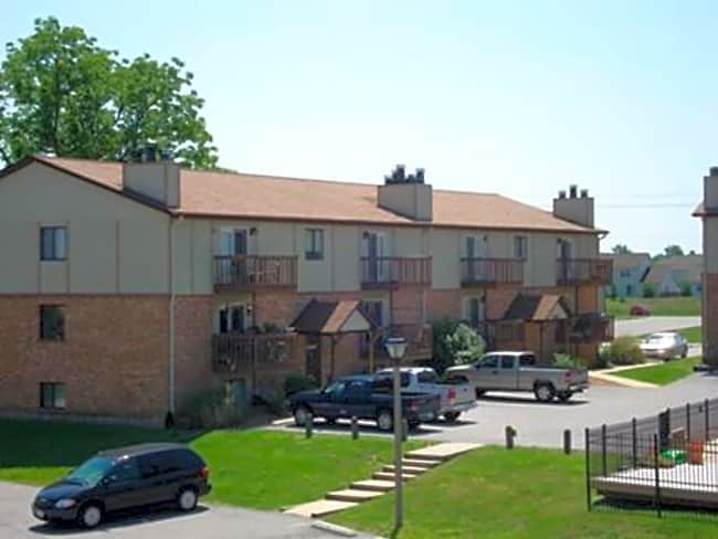 Lake Christine Village Apartments - Belleville, Illinois 62226