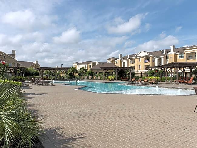 Grand Villas at Tuscan Lakes - League City, Texas 77573