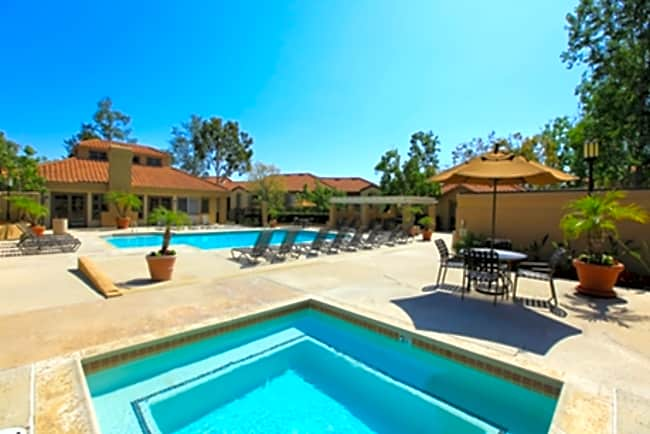 Villas Aliento - Rancho Santa Margarita, California 92688