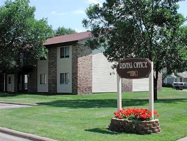 Oak Grove Apartments - Coon Rapids, Minnesota 55433