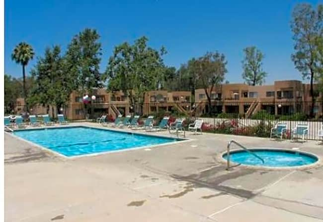 Park Villa Apartments - Redlands, California 92373