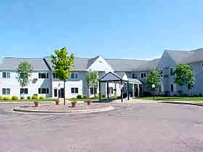 Oakwood Homes Apartments - Eau Claire, Wisconsin 54701