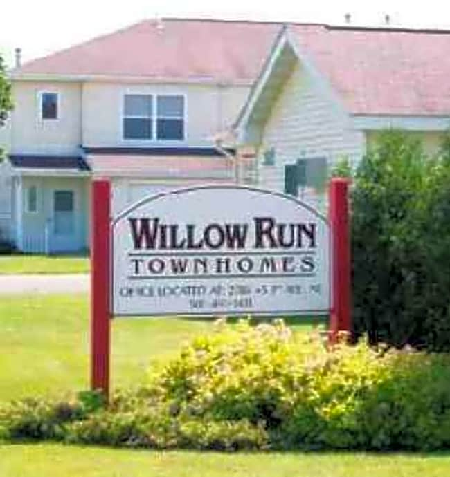 Willow Run I & II Townhomes - Owatonna, Minnesota