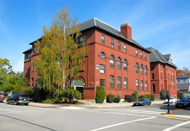 The St. George Apartments - Manchester, New Hampshire 03101