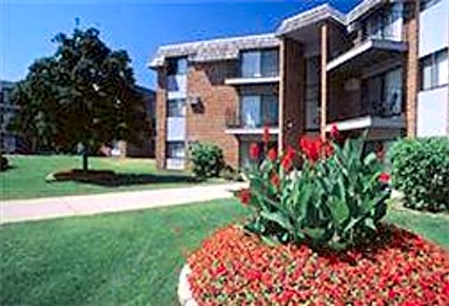 Lake Cove Village Apartments - Inver Grove Heights, Minnesota 55077