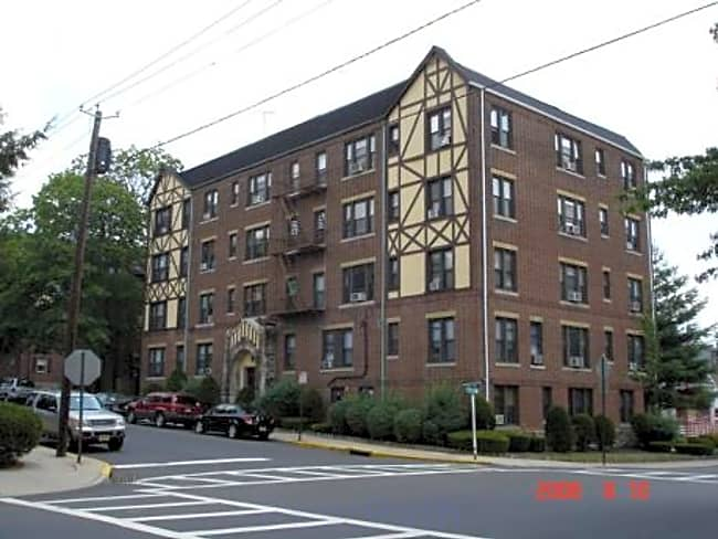 Saron #1 Apartments - Teaneck, New Jersey 07666