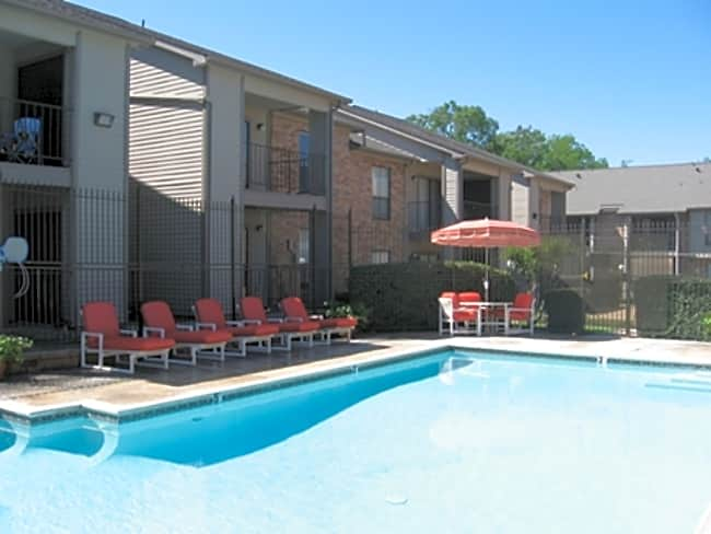 Village Green Apartments - San Marcos, Texas 78666