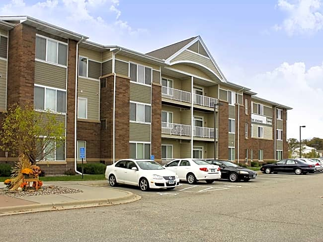 Lakeville Woods Apartments - Furnished and Short Term Available! - Lakeville, Minnesota 55044