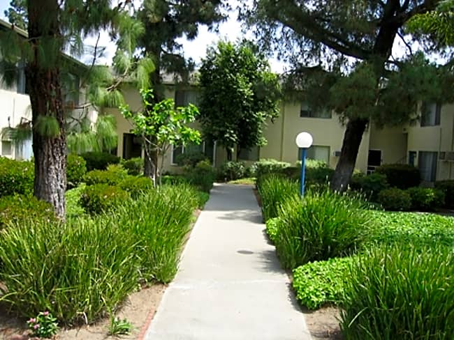 King of Spain Apartments - Anaheim, California 92806