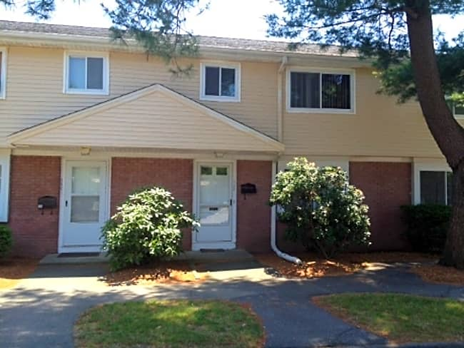 Chestnut Place Townhomes - Foxboro, Massachusetts 02035