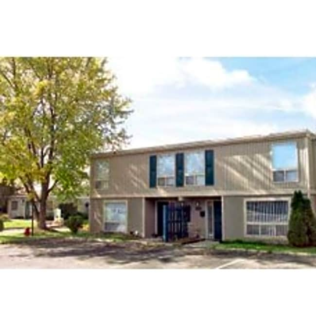 Eagles Point Townhomes - Liverpool, New York 13090