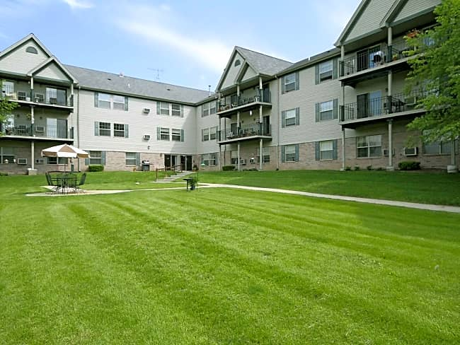 Silvernail Senior Apartments - Pewaukee, Wisconsin 53072