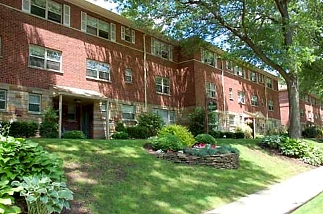 Oak Manor Apartments - Ridgewood, New Jersey 07450