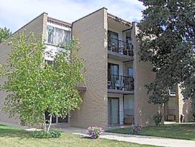 Wilson Apartments - Kenosha, Wisconsin 53144