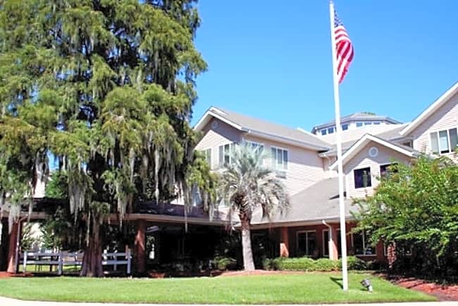 River's Edge Independent Retirement Living - Savannah, Georgia 31406