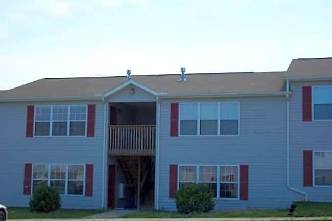 Silverwood Apartments - Winfield, Kansas