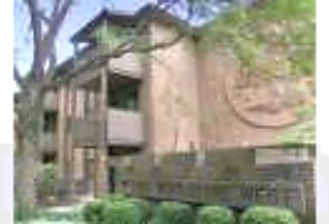 Woodstone Apartments - Kalamazoo, Michigan 49008