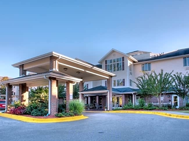 The Woods at Holly Tree Independent Retirement Living - Wilmington, North Carolina 28409