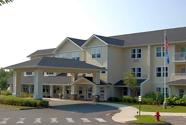 White Oaks Independent Retirement Living - Manchester, Connecticut 06042