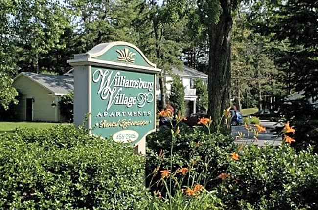 Williamsburg Village - Albany, New York 12203