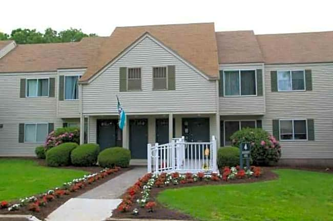 Meadow Ridge & Cambridge Estates - Norwich, Connecticut 06360