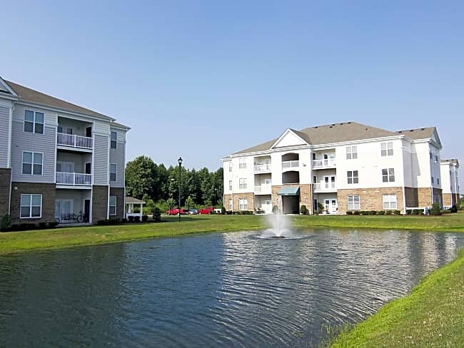 Tanglewood Lake Apartments - Elizabeth City, North Carolina