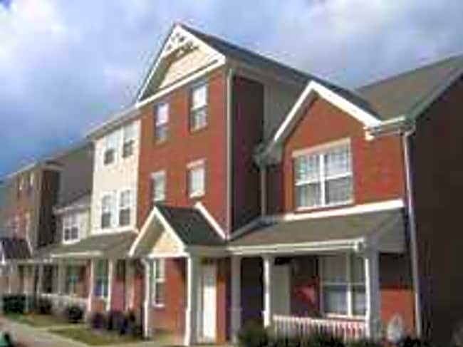 Villages At Mill Crossing - Indianapolis, Indiana 46205