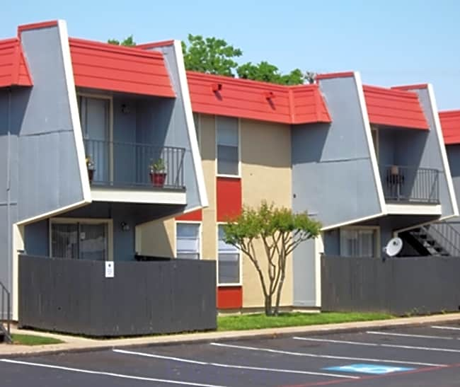 Rock Island Apartments - Irving, Texas 75060