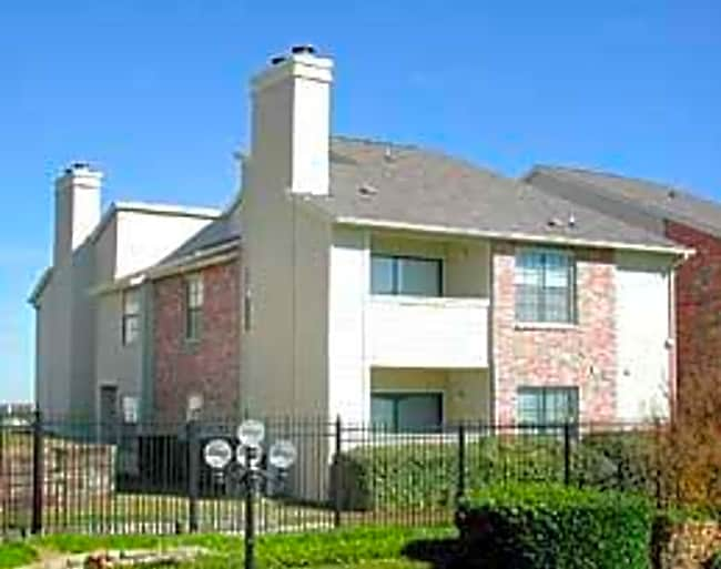 Hillcrest Apartments - Grand Prairie, Texas 75050