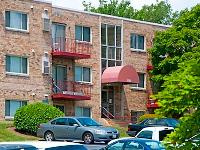 Hilltop Apartments - Washington, District of Columbia 20019