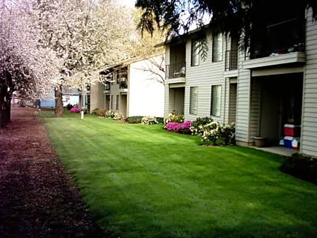 Quail Ridge Apartments - Milwaukie, Oregon 97222