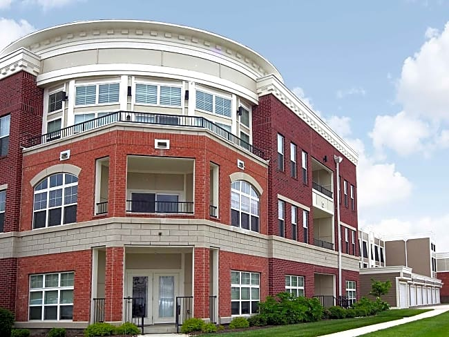 Lofts At Willow Creek - Beavercreek, Ohio 45431