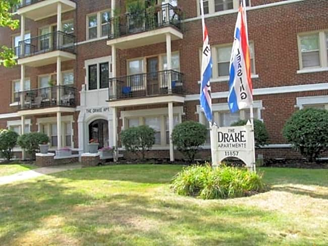 Drake Apartments - Lakewood, Ohio 44107
