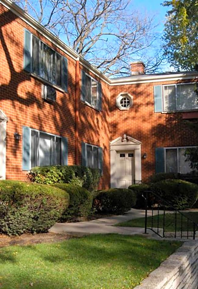 Chestnut Avenue Apartments - Deerfield, Illinois 60015