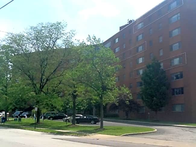 Waldorf Towers Apartments - Cleveland Heights, Ohio 44106