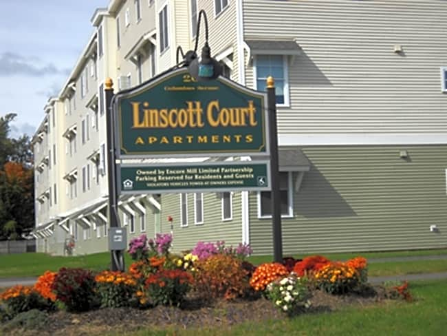 Linscott Court Apartments - Rochester, New Hampshire 03867