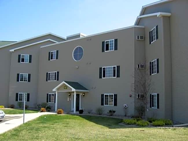 The Apartments at Legacy Drive - Baldwinsville, New York 13027