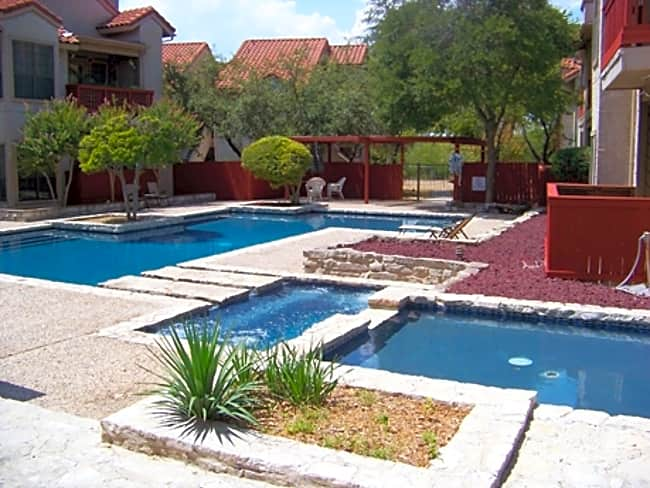 Santa Fe Condo Apartments - San Antonio, Texas 78247