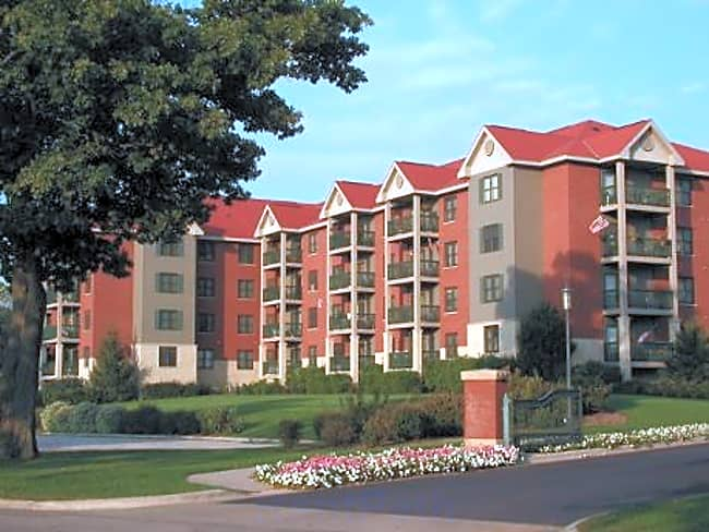 RiverPlace Apartments - La Crosse, Wisconsin 54601