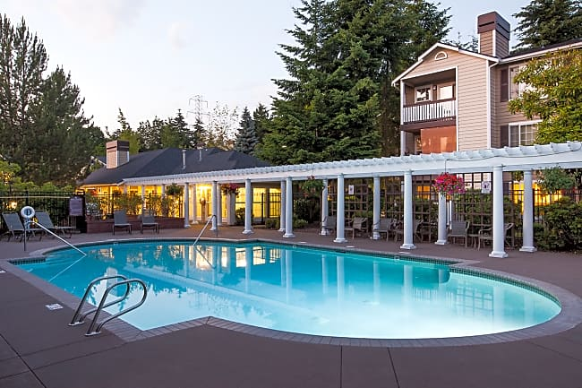 Evergreen Heights Apartments - Kirkland, Washington 98034