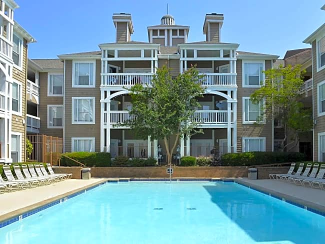 Charleston Court - Sandy Springs, Georgia 30342