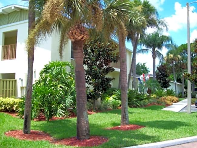 Wickham Village Apartments - Melbourne, Florida 32935