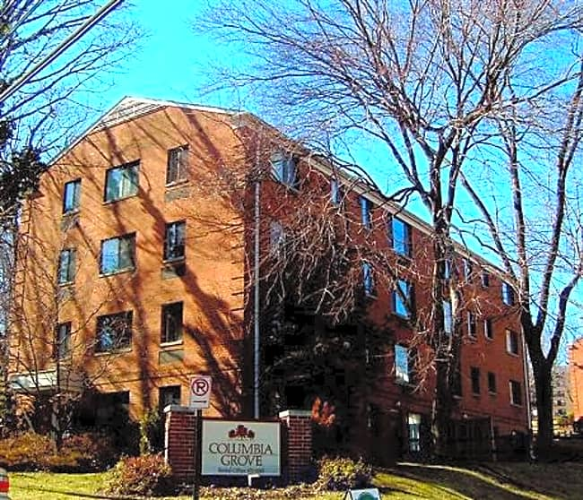 Columbia Grove Apartments - Arlington, Virginia 22204