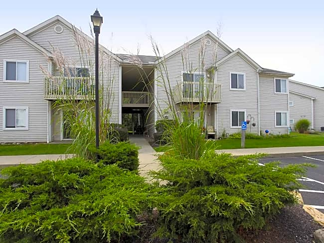 Columbia Woods Apartments - Norton, Ohio 44203